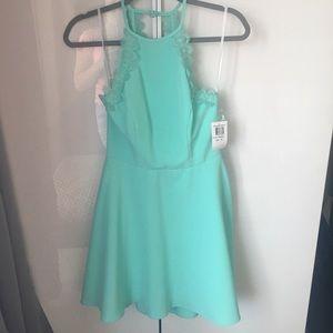 Dresses & Skirts - Mint dress NWT size 5/6